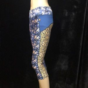 MAAJI CROP LEGGINGS